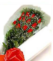 One-Dozen Red Roses (Boxed)