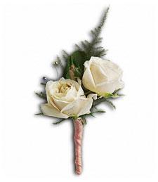 Elegant White Romance Boutonniere