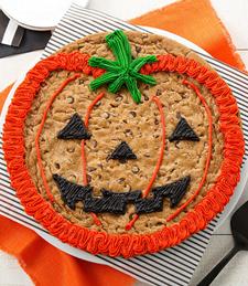JACK-O-LANTERN COOKIE CAKE